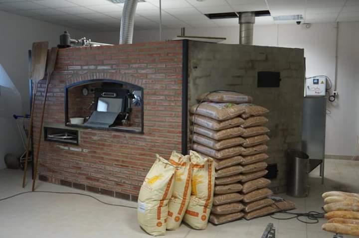 Horno giratorio de le a para panaderia y pasteleria for Como hacer un horno de lena de hierro