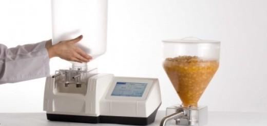 Inyectadora dosificadora para pasteleria con pantalla táctil